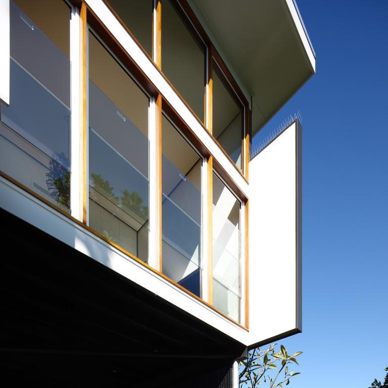 آیا شیشه های دوجداره مناسب مناطق گرمسیری هستند؟