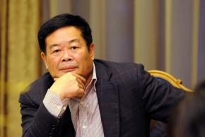 مرد شیشه ای سال 2016 ، Cho Tak Wong، رئیس گروه صنعتی Fuyao Glass