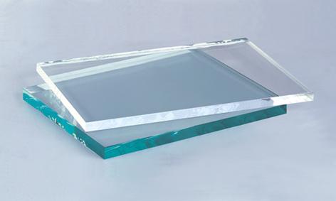 شیشه فوق شفاف