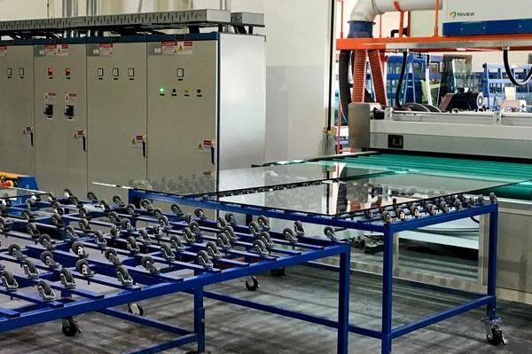 پنجره های خورشیدی تولید برق